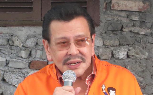 SECOND ATTEMPT. Despite being a critic of Charter Change under the Ramos adminstration, Estrada himself attempted to amend the Constitution. File photo by Rappler