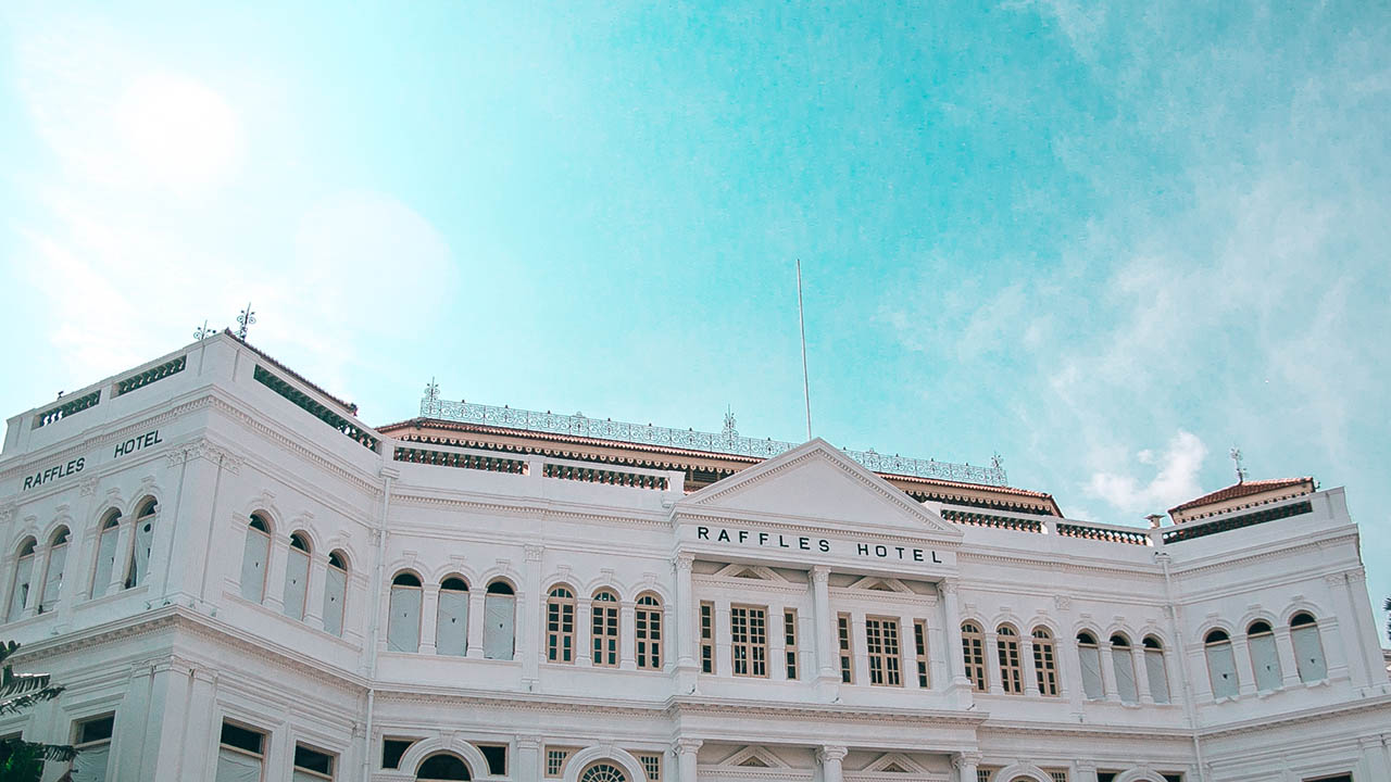 RAFFLES HOTEL. Rachel and Nick stay at this gorgeous, colonial-style hotel, away from the Youngu2019s family estate of Tyersall Park. Photo by Paolo Abad/Rappler