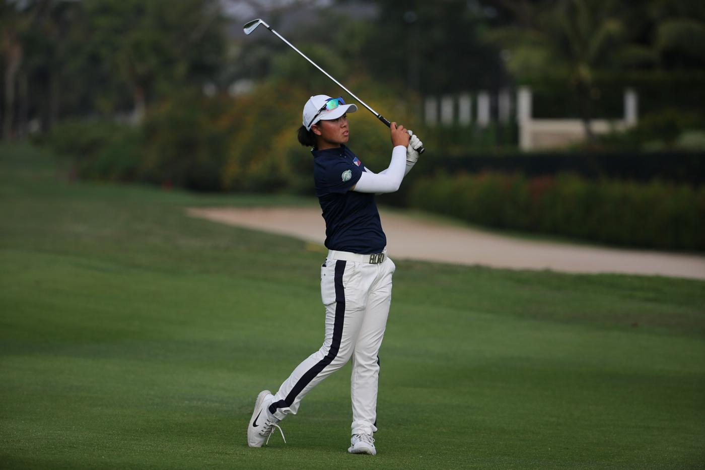 DRAMATIC. Yuka Saso rallies to win the Asiad women's golf gold. Photo by Adrian Portugal/Rappler