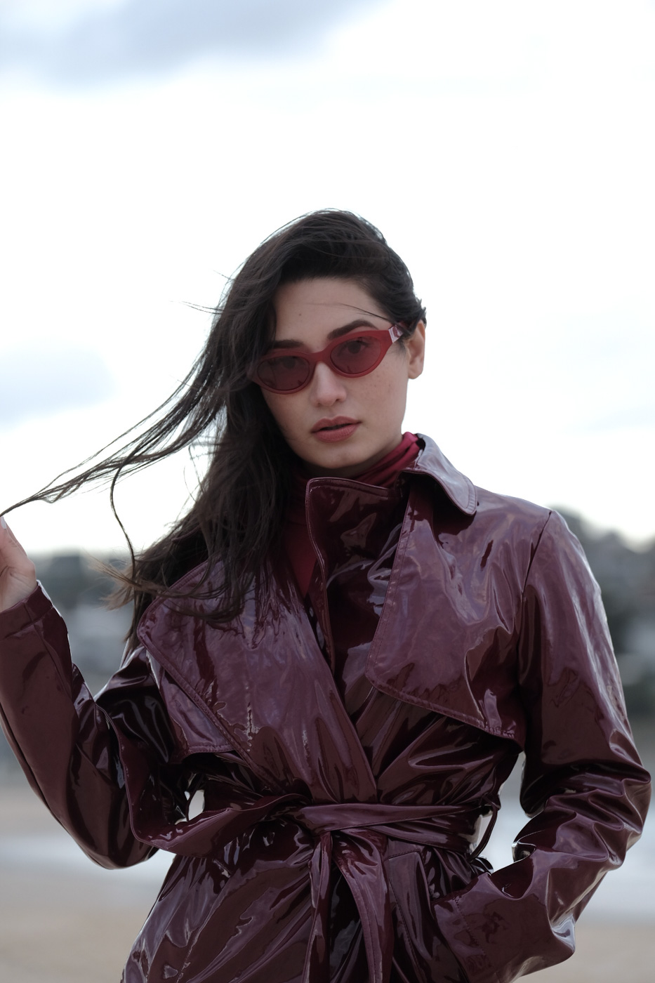 LADY IN RED SHADES. Nicole Andersson