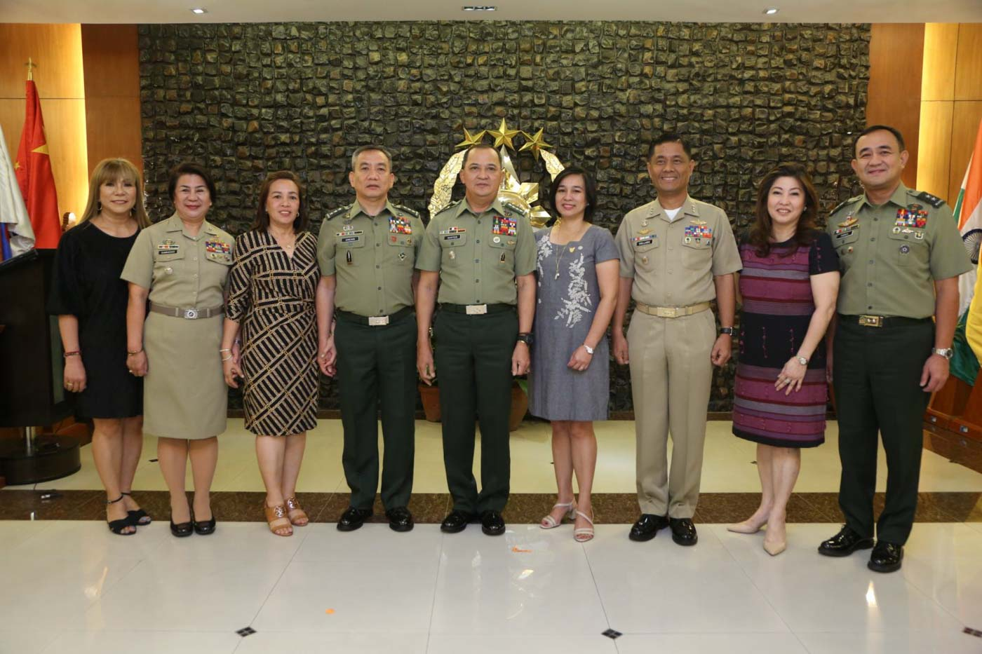 PROMOTED. Commodore Luzviminda Camacho (2-L) poses with General Felimon Santos Jr (C), Vice Admiral Gaudencio Collado Jr (3-R), Lieutenant General Roberto Ancan (4-L), and Major General Ernesto Torres Jr (R). Photo from the Armed Forces of the Philippines