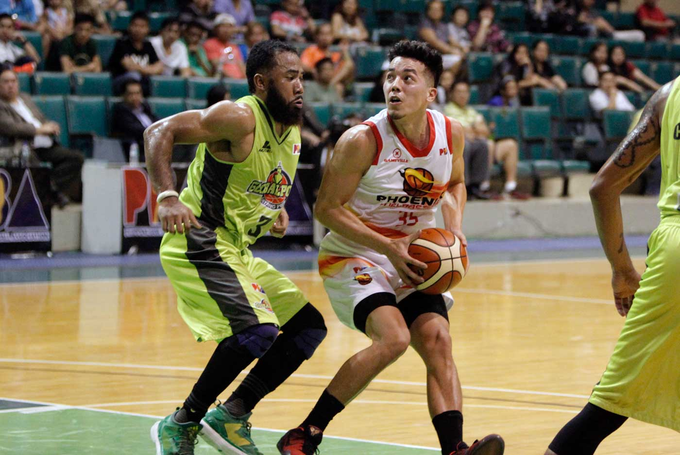 MR. DEEP BALL. Matthew Wright has been scorching from downtown. File photo from PBA Images