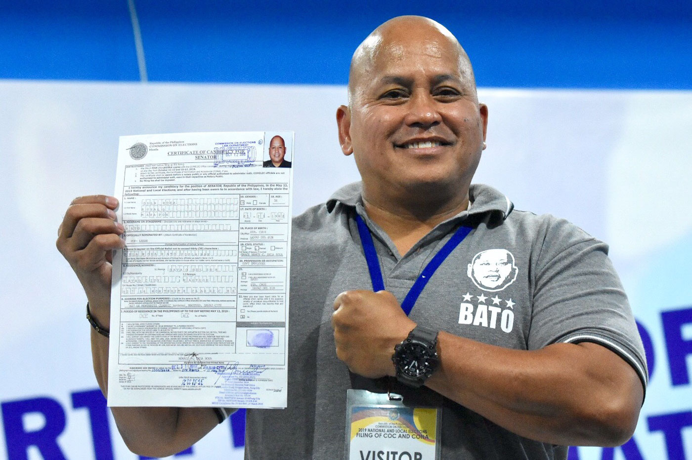 BuCor director Ronald dela Rosa files his Certificate of Candidacy for Senator on October 12, 2018 at the Comelec office in Manila. Photo by Angie de Silva/Rappler