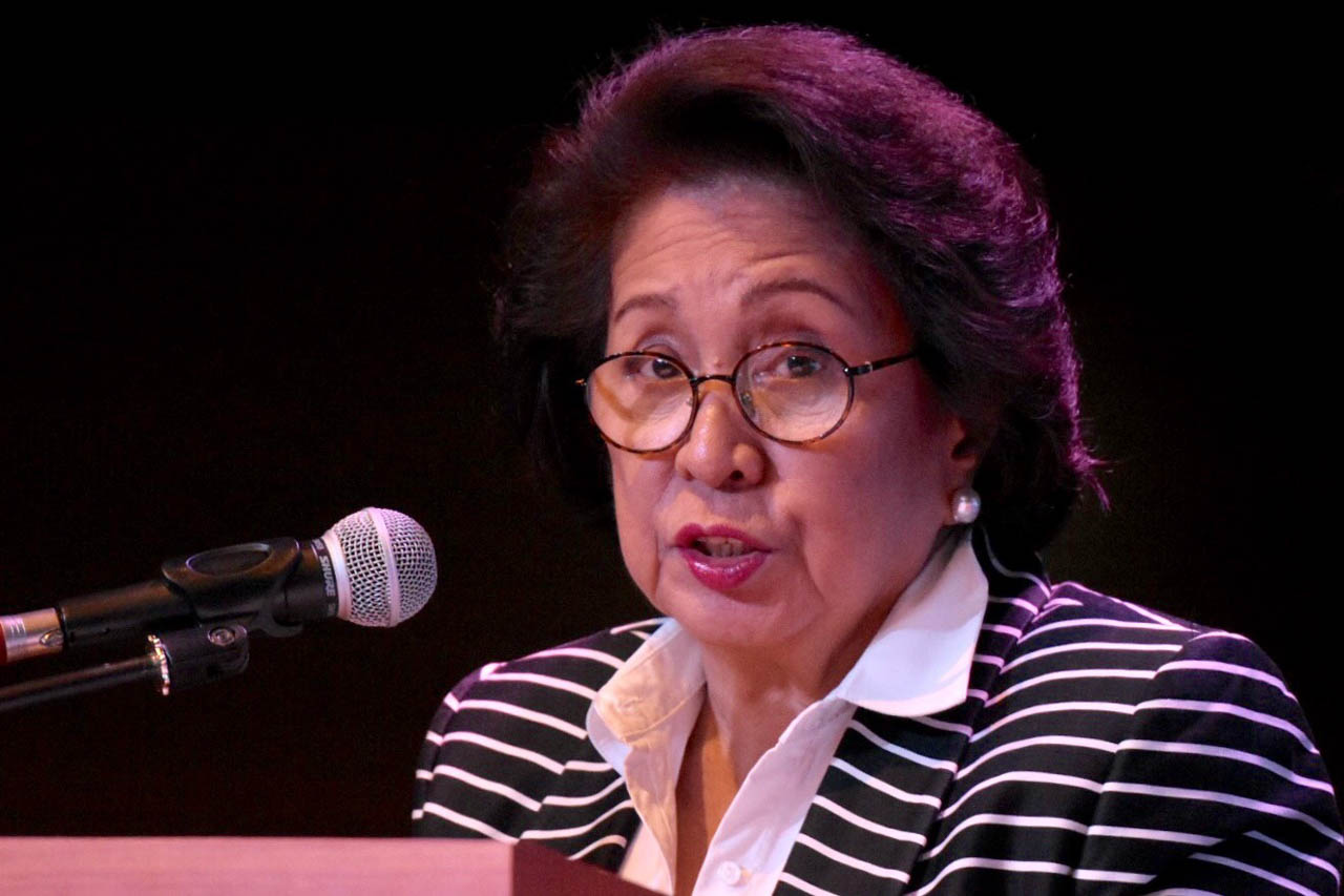 FIGHTING CORRUPTION. Former ombudsman Conchita Carpio Morales delivers her speech at the Disinformation and Democratic Decay Forum at the University of the Philippines Bonifacio Global City campus on April 22, 2019. Photo by Angie de Silva/Rappler
