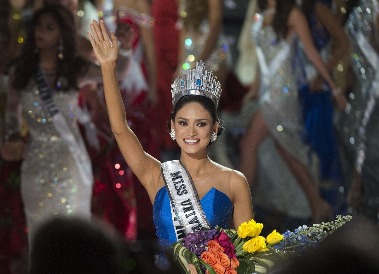 QUEEN'S WAVE. Miss Philippines Pia Alonzo Wurtzbach is crowned Miss Universe 2015 on stage during the 2015 MISS UNIVERSE show at Planet Hollywood Resort u0026 Casino, in Las Vegas, California, on December 20, 2015. Valerie Macon/AFP