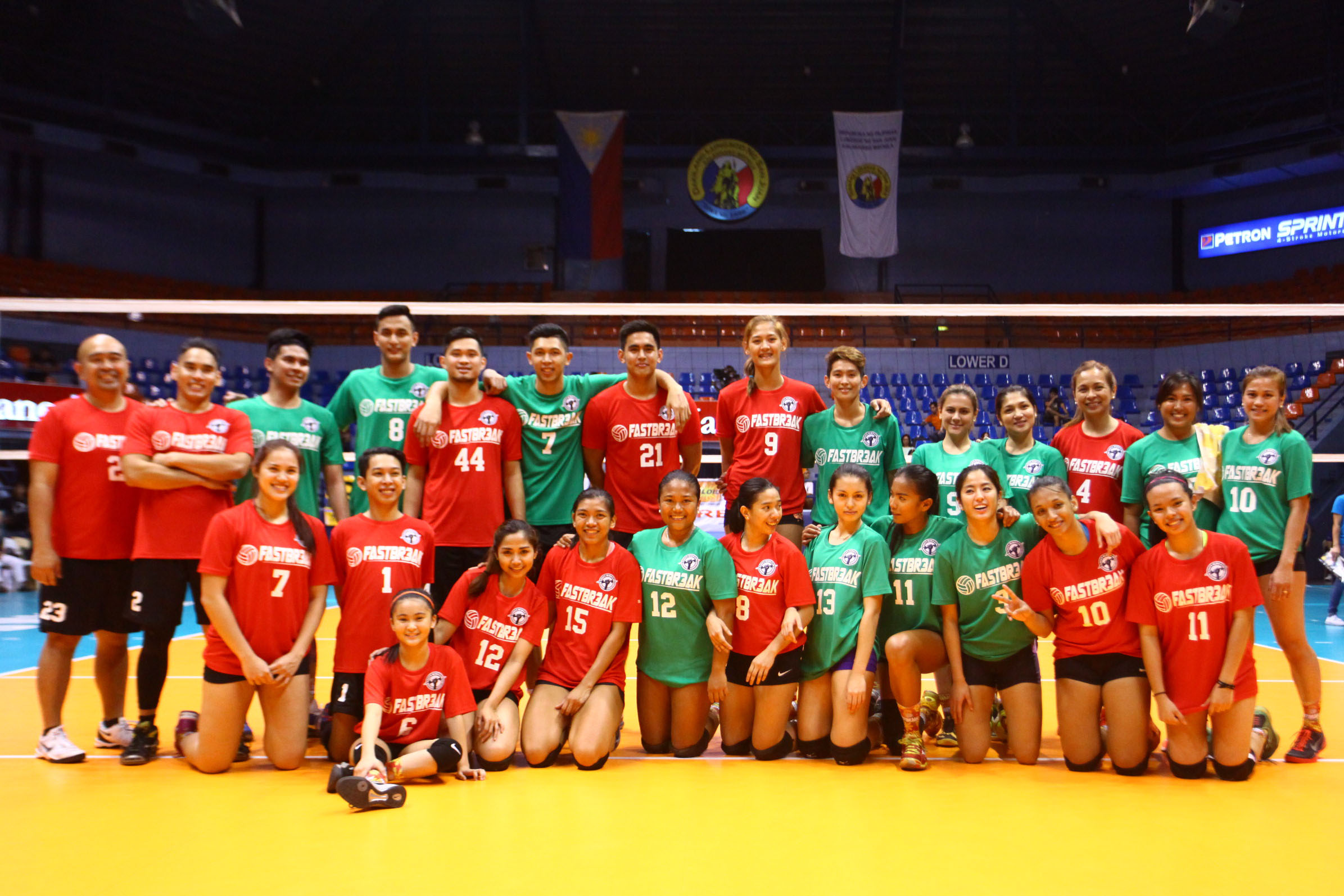 FOR A GOOD CAUSE. Members of both teams pose after the contest. Photo by Josh Albelda/Rappler