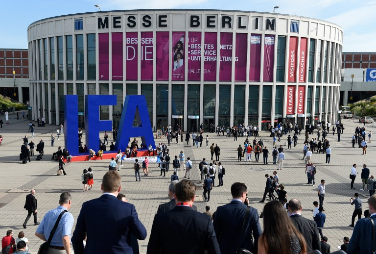 WELCOME TO IFA. Visitors wait to get access to the fair grounds of Berlin's mega consumer electronics fair IFA opening its doors to the public on September 2, 2016. Rainer Jensen /  dpa / AFP