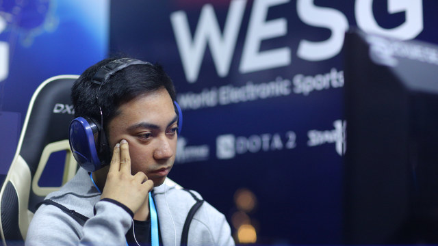 CONTEMPLATION. Euneil 'Staz' Javinas at the WESG 2016 grand finals. Photo from WESG website