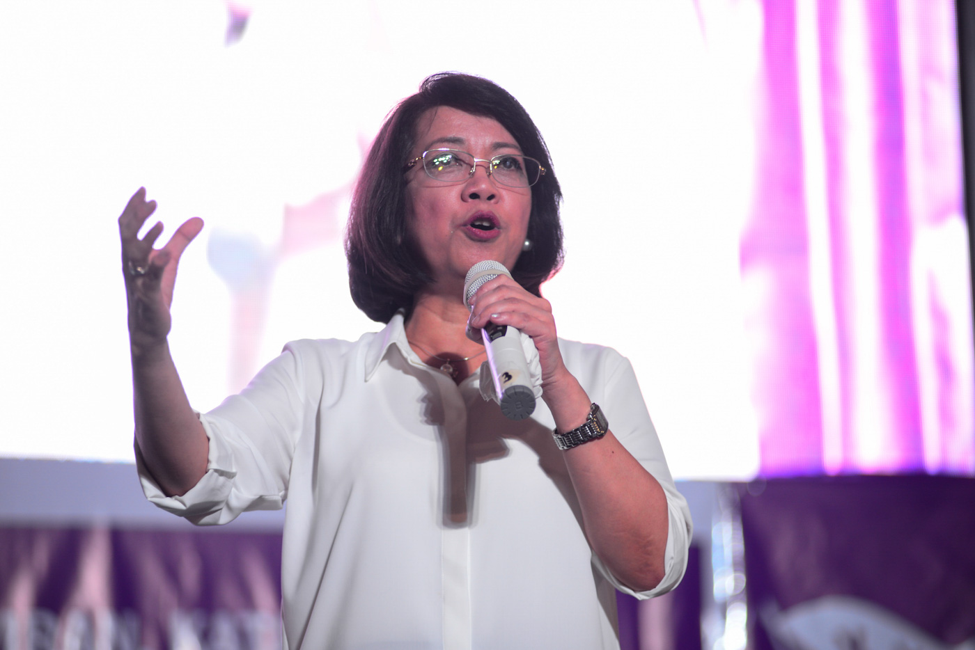 AFTER OUSTER. Former chief justice Maria Lourdes Sereno entertains more questions from the media after the Supreme Court finalized her ousted on June 19, 2018. Photo by Maria Tan/Rappler