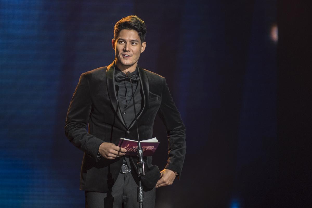 Daniel Matsunaga as a presenter at the show