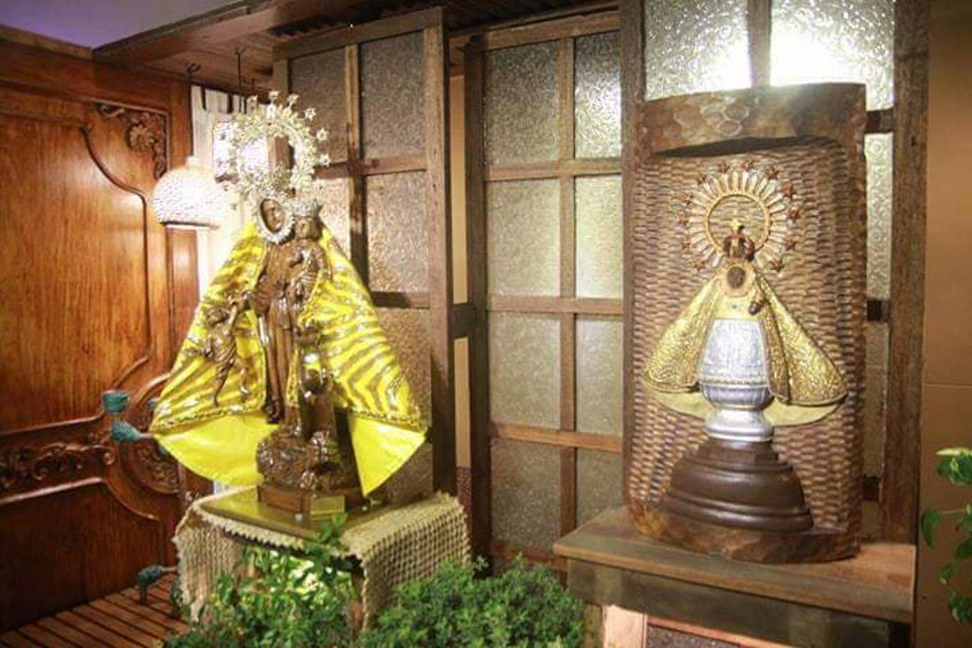 PATRONESS OF BICOL. Images of Our Lady of Salvation (left) and Our Lady of Peu00f1afrancia. Photo courtesy of Vynce Opeu00f1a