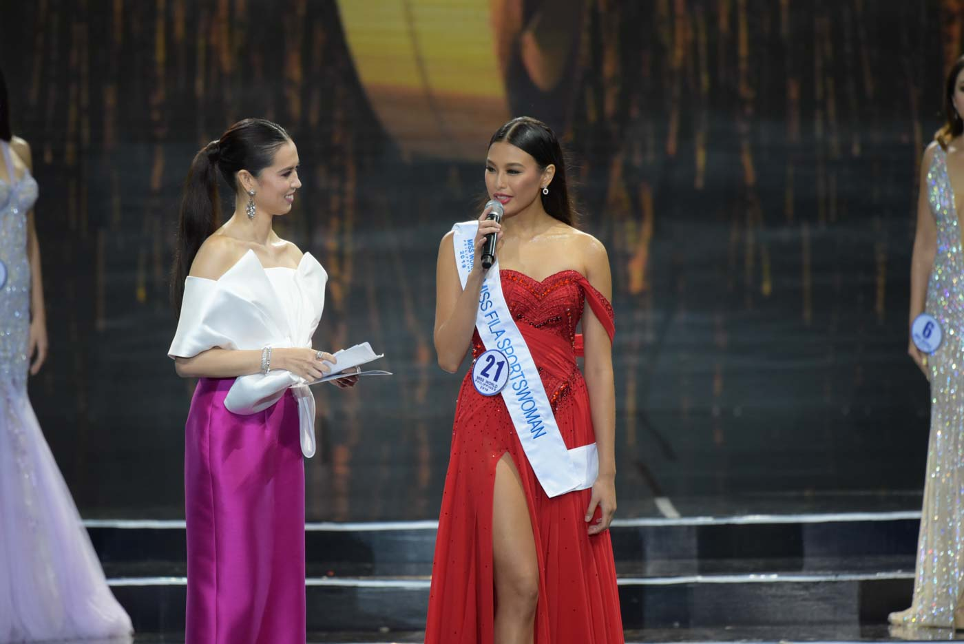 CHAT. Michelle Dee during the conversation segment of the Miss World Philippines pageant. Photo by Alecs Ongcal/Rappler