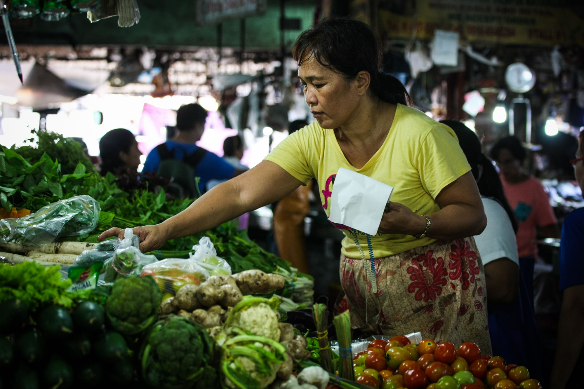 INFLATION. Economists say accelerated prices of goods hit Philippine growth. Photo by Jire Carreon/Rappler