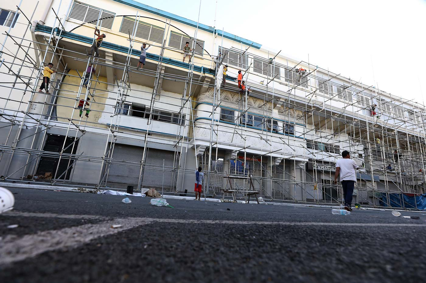 RACE AGAINST TIME. Renovation of some parts of the Rizal Memorial Stadium has yet to be completed. Photo by Ben Nabong/Rappler