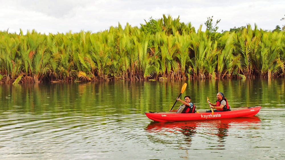 RIVER-FRIENDLY. The uses of kayaks or paddleboats help protect against erosion and river widening.