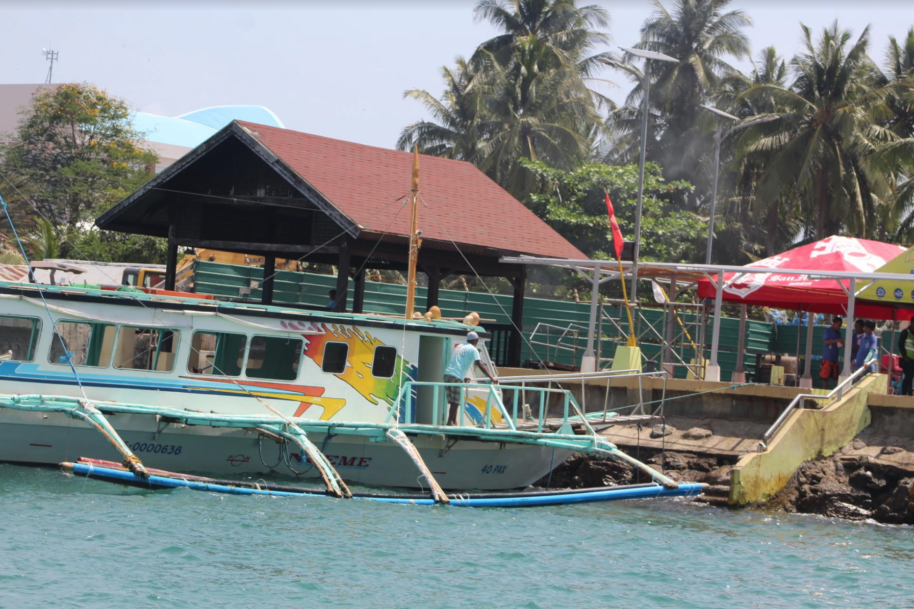 ALLOWED. The Boracay inter-agency task force has deisgnated areas for fishing for locals. Photo Boy Ryan Zabal