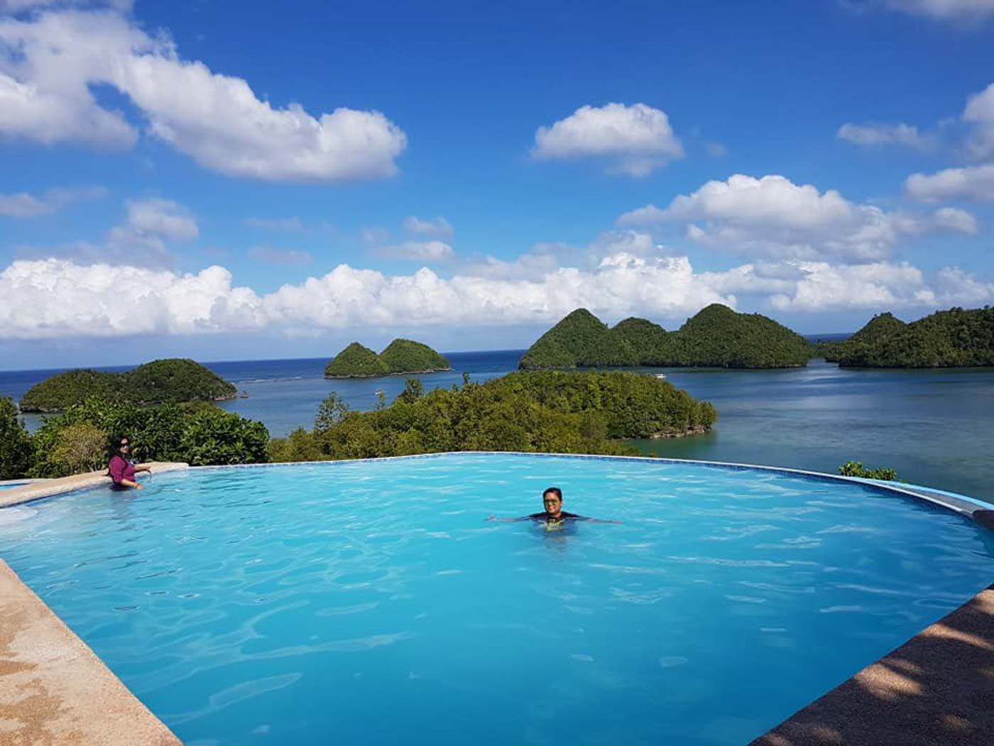 POOL VIEW. The islets can also be enjoyed from a private resort. Photo by Alberto Gadia