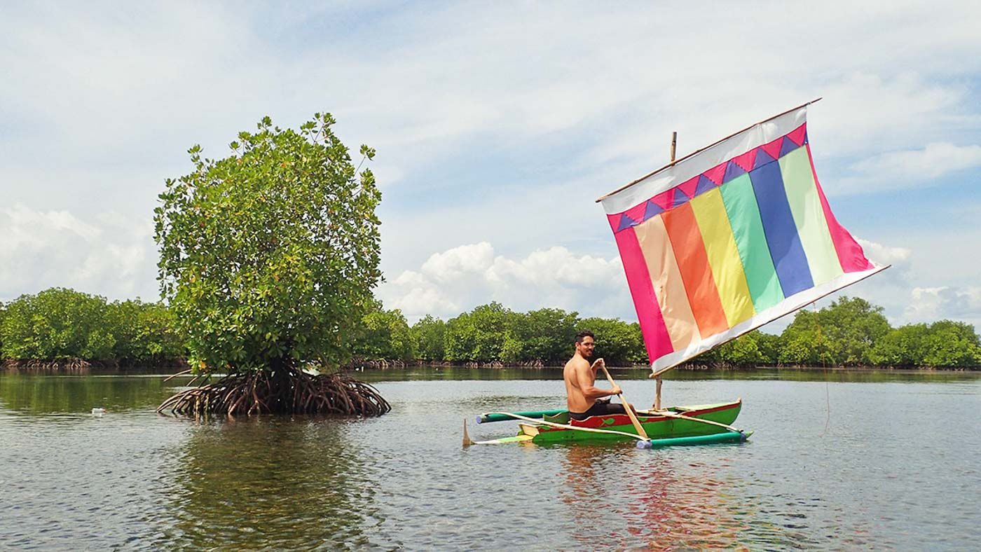 LAGOON. You can sail in Zamboangau00e2u0080u0099s iconic vinta across Sta. Cruz Island's lagoon fringed with mangrove forests. Photo by Claire Madarang/Rappler