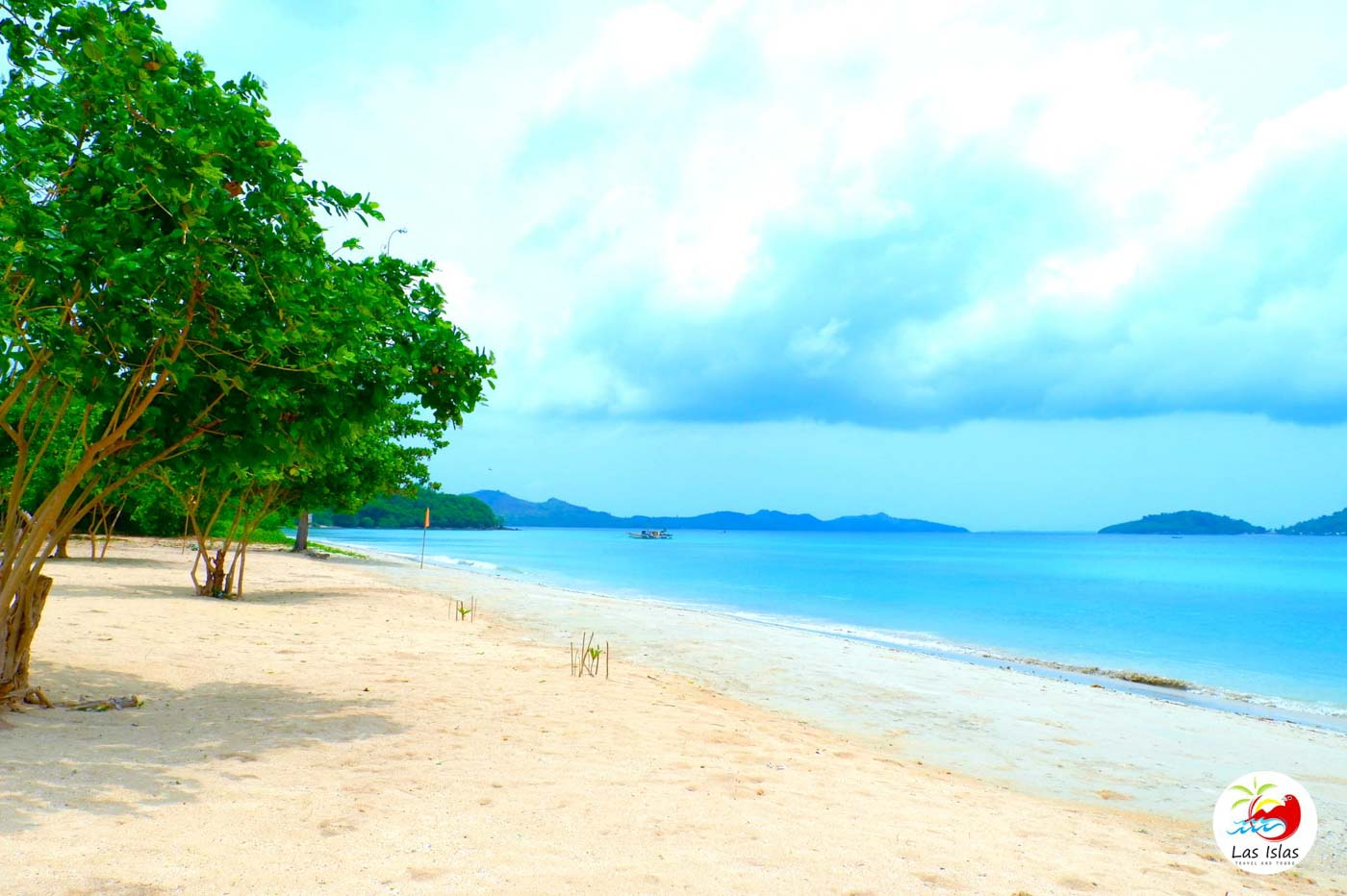 WHITE BEACH. Just one of Sicogon's fine stretches of sand. Photo courtesy of Las Islas Travel and Tours
