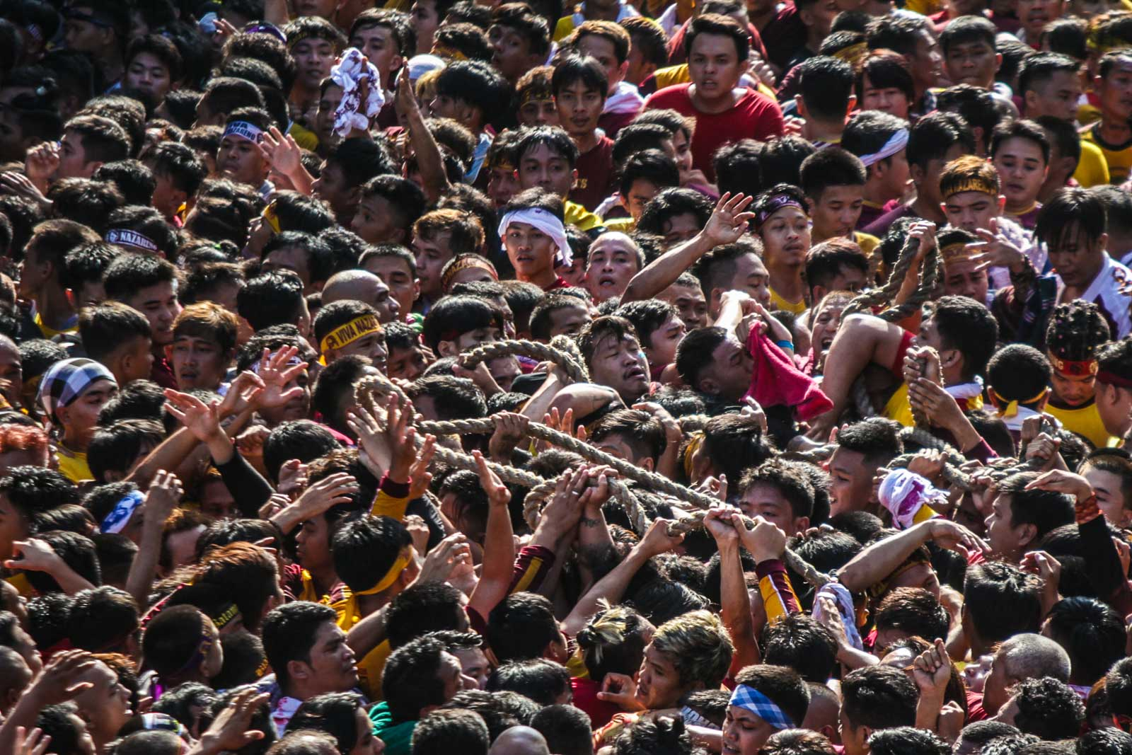 The devotees pull the rope attached to the carriage bearing the image of the Black Nazarene during the Traslacion on January 09, 2020. Photo by Dante Diosina Jr/Rappler
