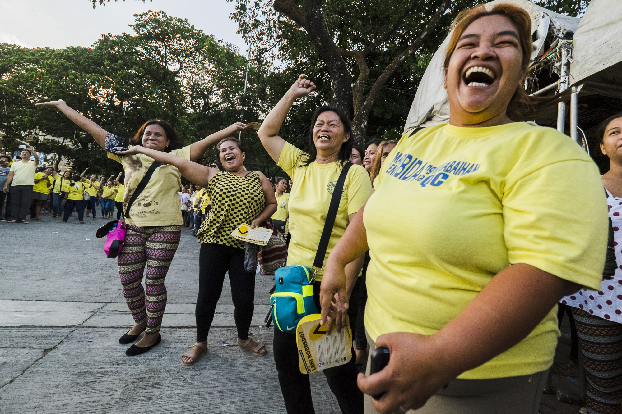 WELCOME. Women supporters dance just as Robredo enters the venue.
