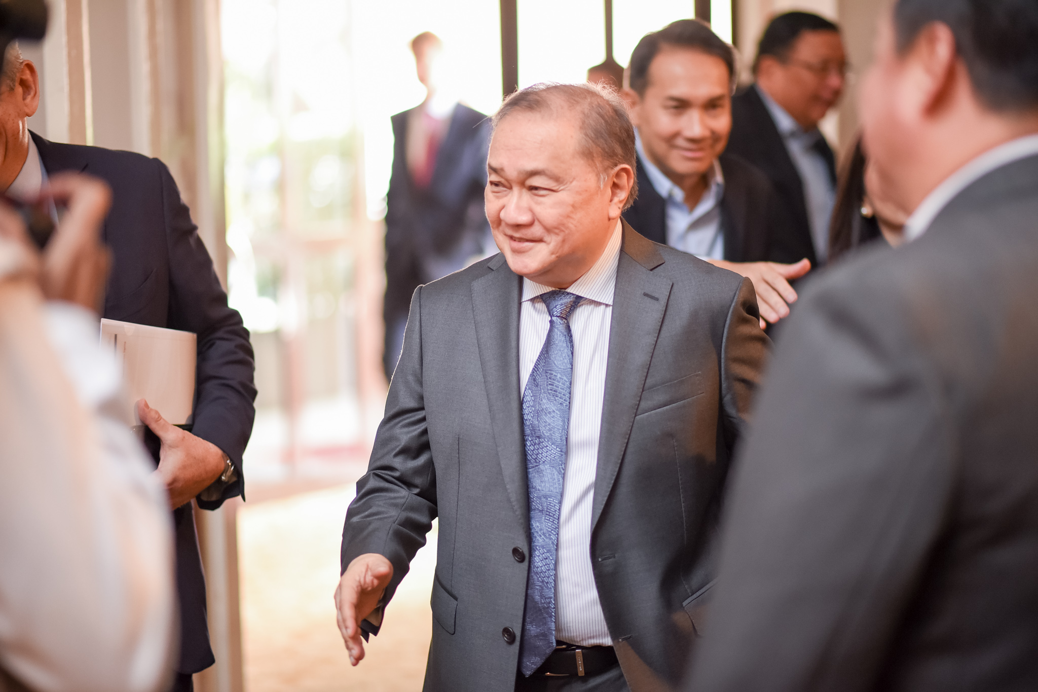 NOT ME. Tycoon Manny Pangilinan assures the Maynilad board that they will keep the water utilities business. File photo by Martin San Diego/Rappler