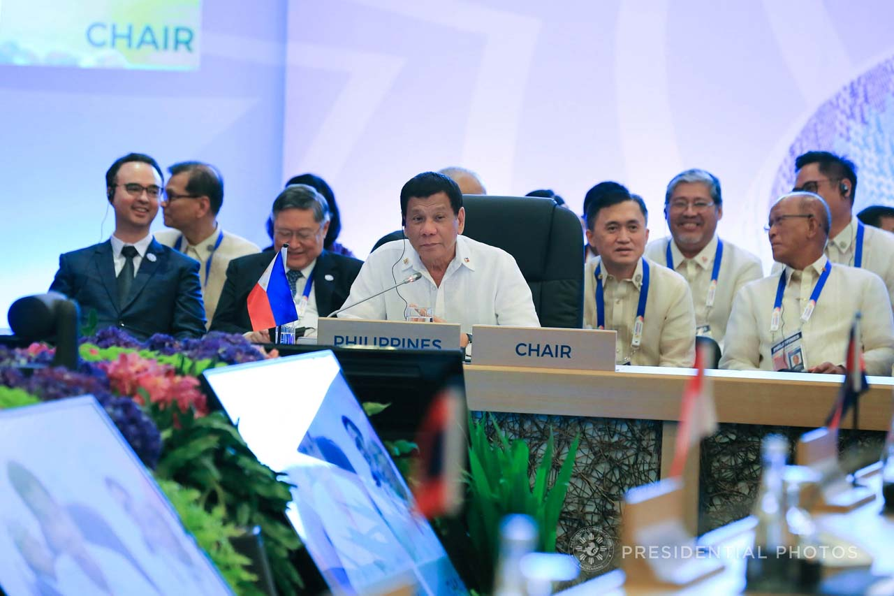 CHAIRMAN DUTIES. President Rodrigo Duterte presides over the ASEAN-Japan Summit on November 13, 2017. Malacau00f1ang file photo