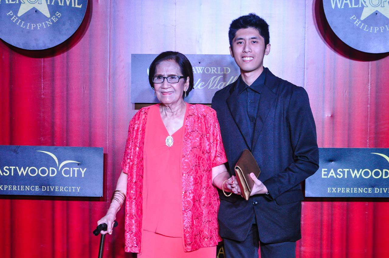 HONOR. Mely Tagasa is honored during the Eastwood Walk of Fame Event in November 2017. File photo by Jay Ganzon/Rappler