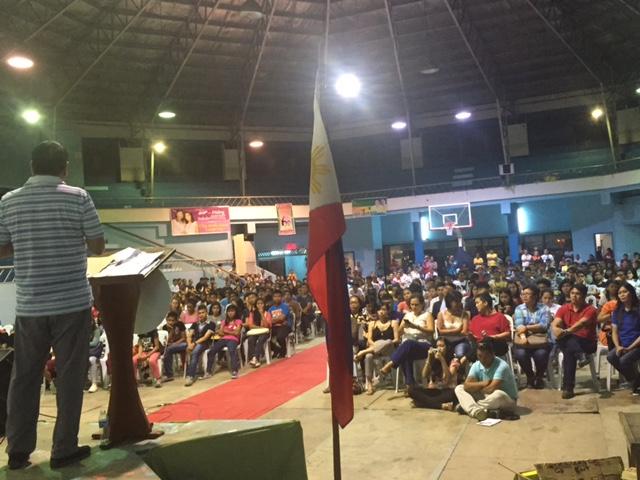 YOUTH CONGRESS. Davao City Mayor Rodrigo Duterte addresses the youth at the Almendras Gym on November 19. Photo by Editha Caduaya/Rappler