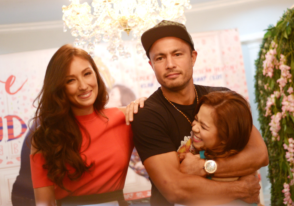 'LOVE IS BLIND.' Solenn Heussaff and Derek Ramsay with co-star Kiray Celis. Photo by Jansen Romero/Rappler