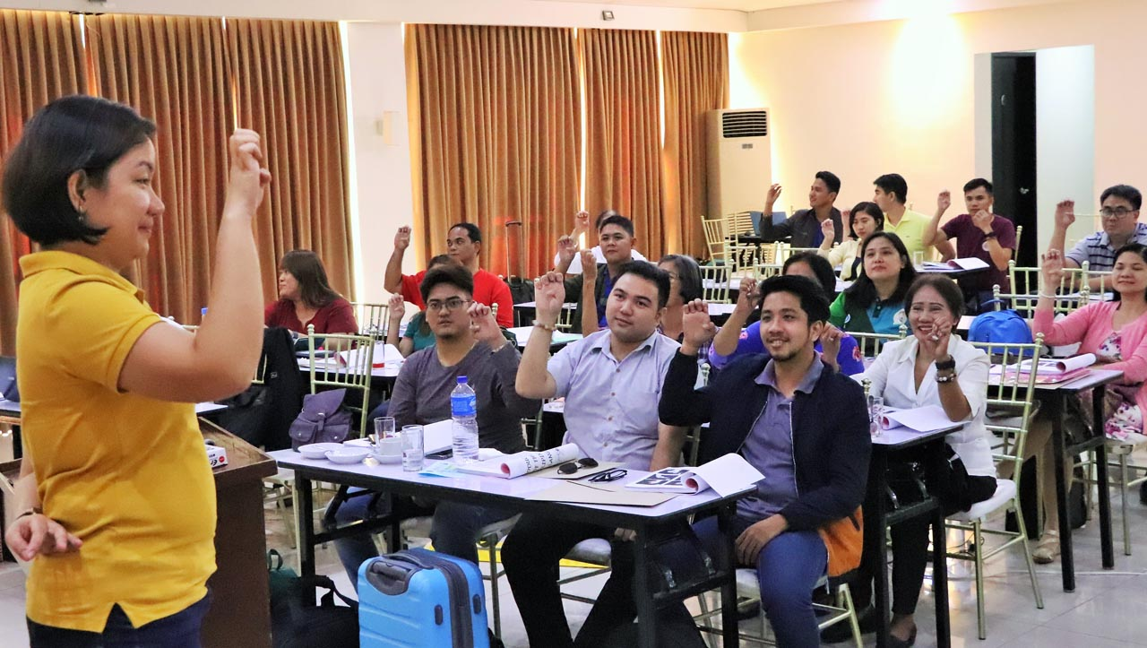 MORE ACCESSIBLE. The training envisions a primary health care network that is more accessible to people with hearing impairment. /Photo from DOH Calabarzon