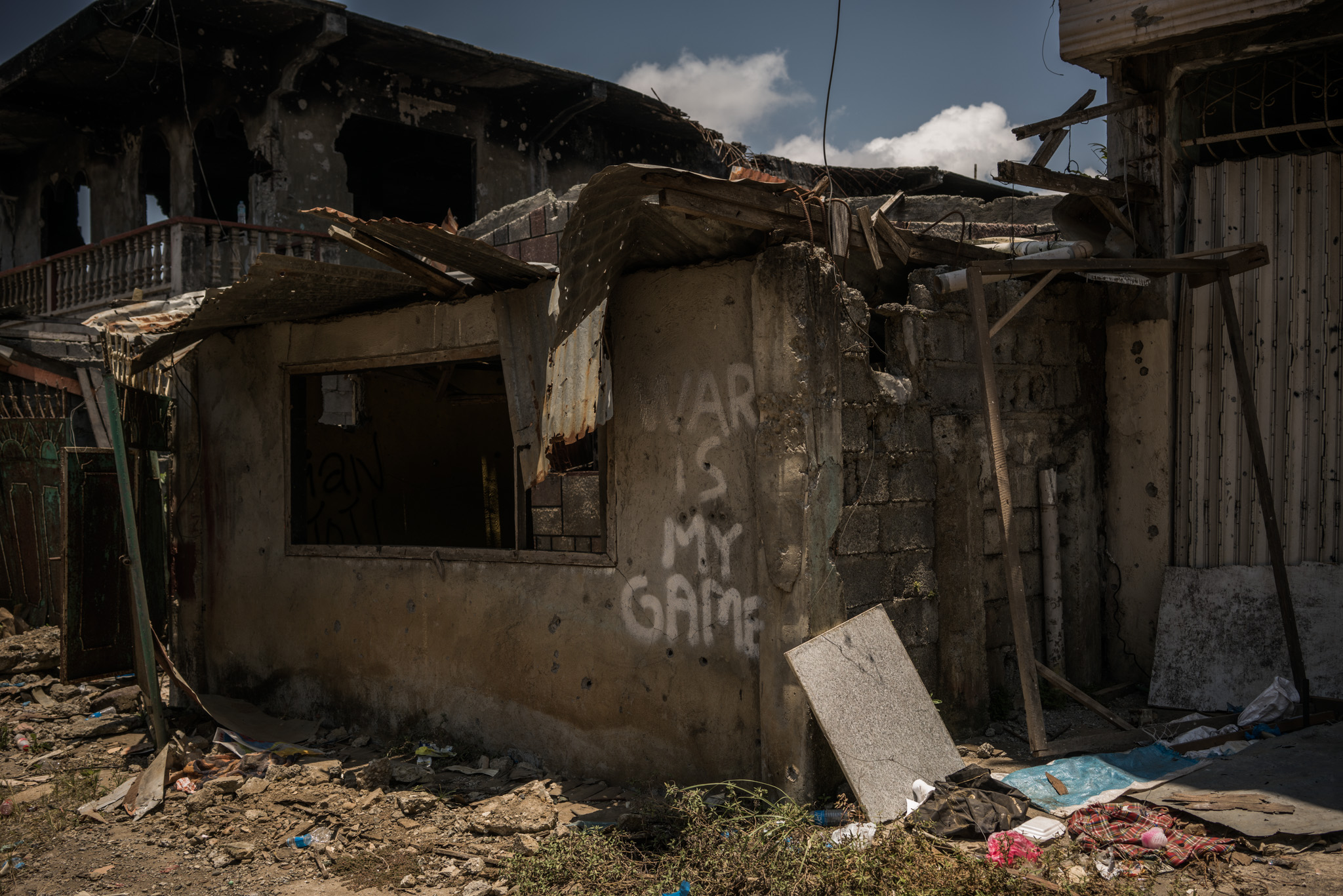 RUINS. Marawi residents come home to almost nothing on April 7, 2018, over 5 months after the city'u0080u0099s liberation. They find their life'u0080u0099s work either destroyed, burnt, or looted. Photo by Martin San Diego/Rappler