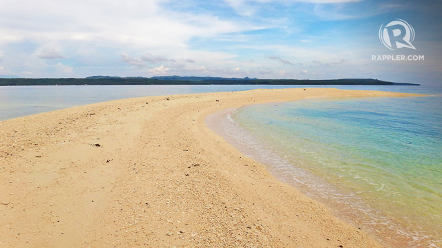 CHANGING SANDBAR. Higatangan Islandu2019s sandbar changes shape and size depending on the windu2019s path.