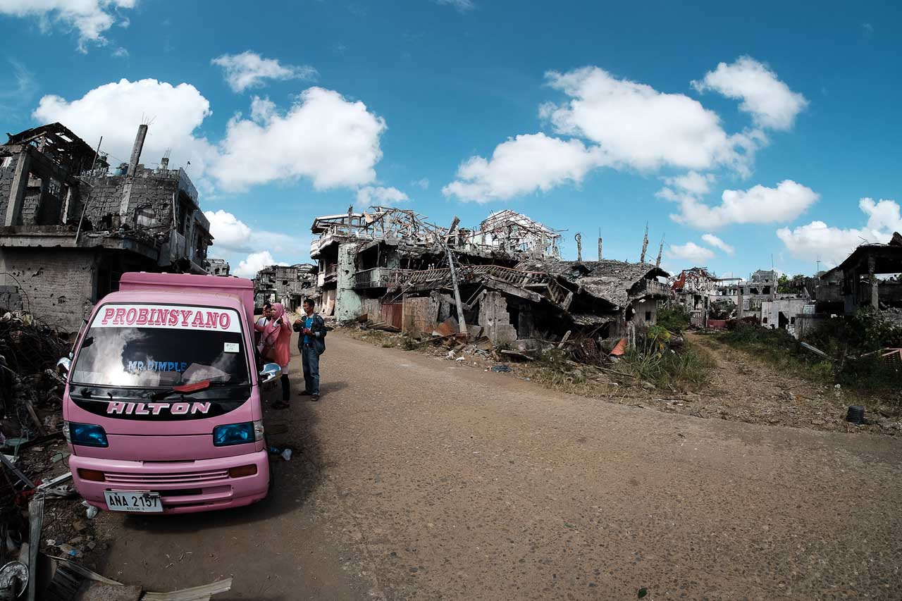 NOTHING TO RETURN TO. Many residents of Sector 2 of the MAA return to totally destroyed homes. Photo by Bobby Lagsa/Rappler