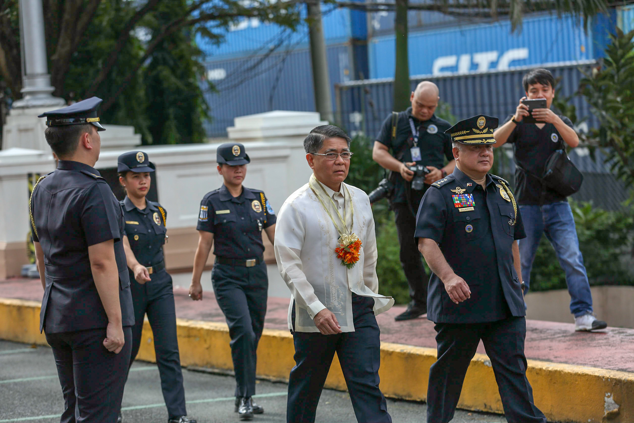 SHAKE-UP. Former military chief Rey Leonardo Guerrero is installed as new customs chief. File photo by Inoue Jaena/Rappler