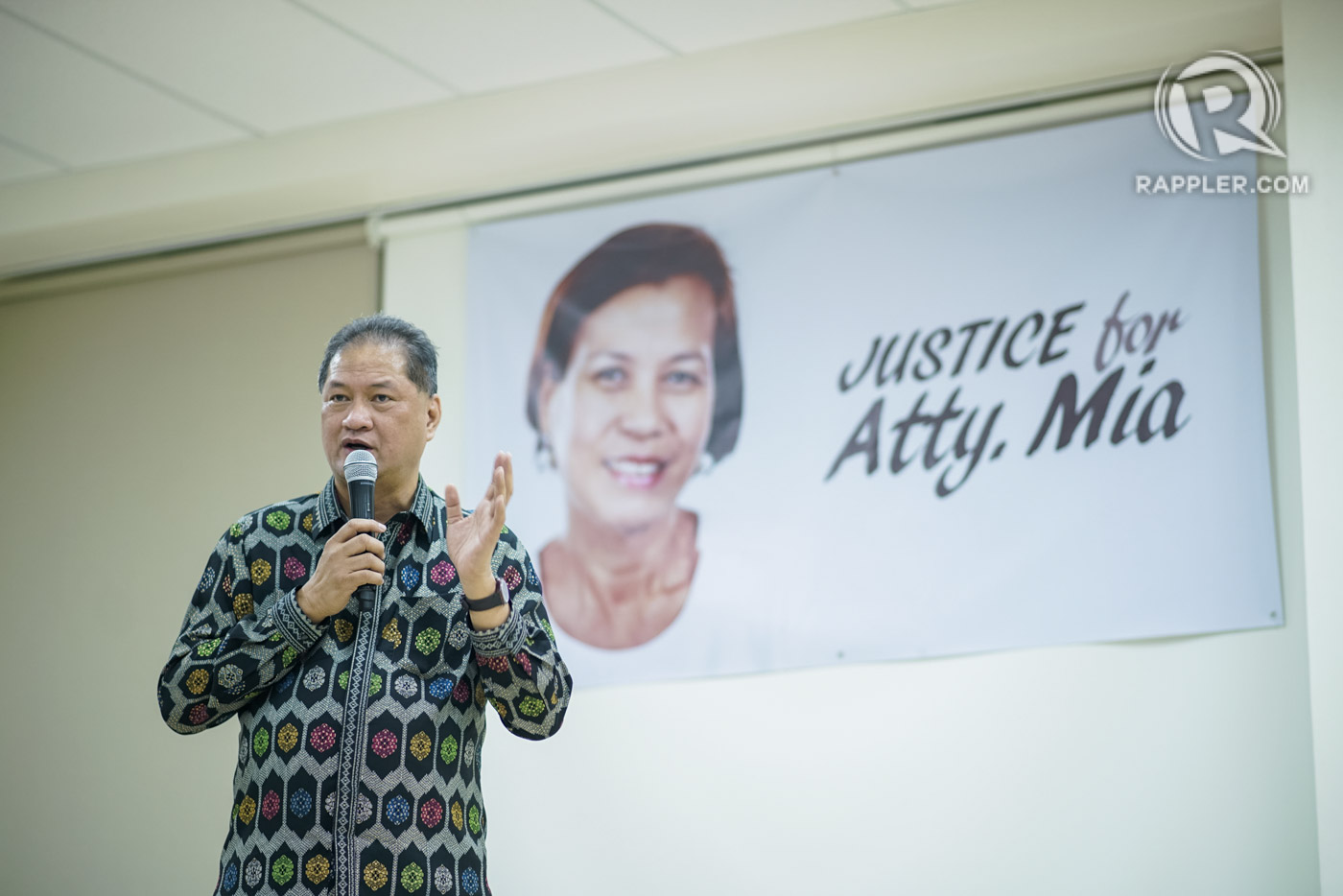 'ONE DEATH TOO MANY.' Environmental lawyer Tony La Viu00f1a says Mia Mascariu00f1as-Green's death should be the last 'among lawyers and among Filipinos.' Photo by Martin San Diego/Rappler