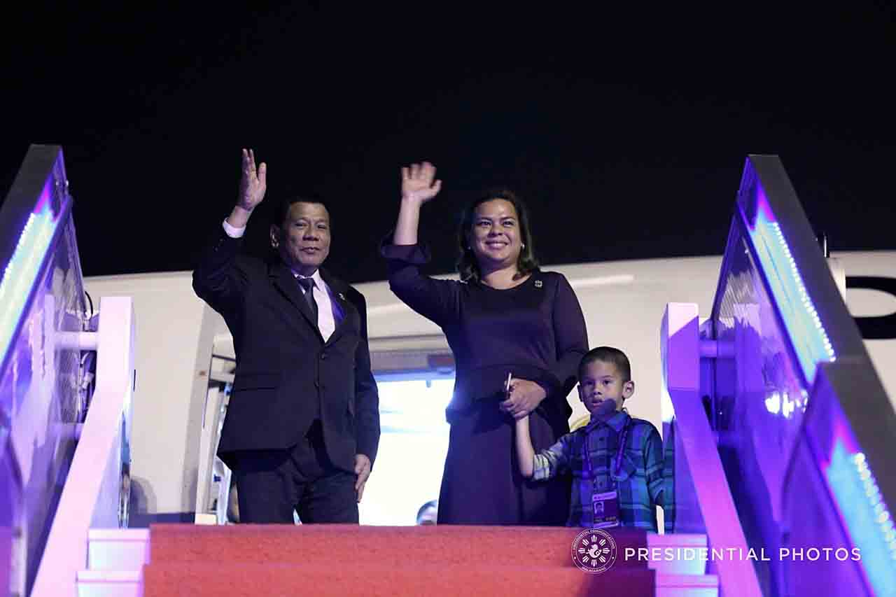FATHER'S DAUGHTER. Davao City Mayor Sara Duterte-Carpio joins her father in his trips to China and Hong Kong. Malacau00f1ang photo