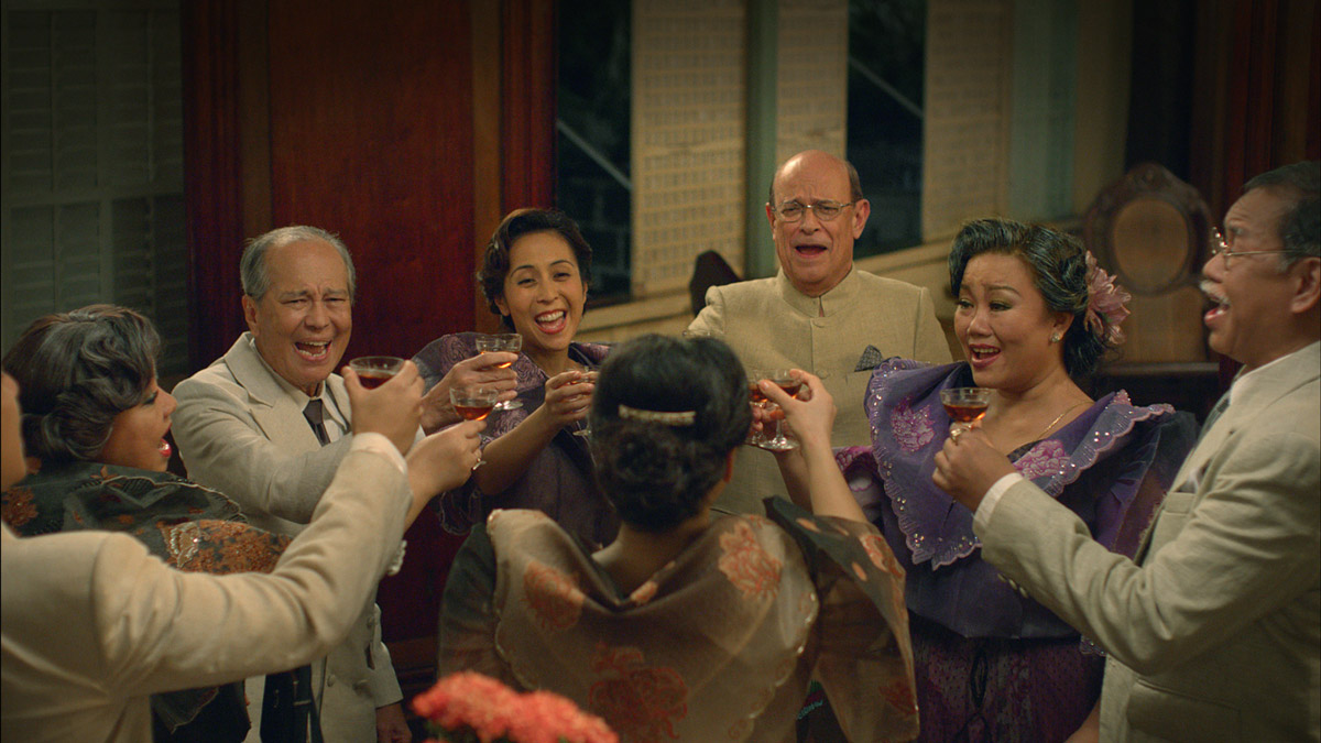 CHEERS. The movie also shows how Filipinos celebrate before the war