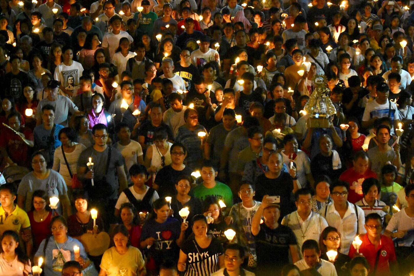 MIRACULOUS. Many Catholics pray to Our Lady of the Most Holy Rosary for miracles and everyday needs. Photo by Angie de Silva/Rappler