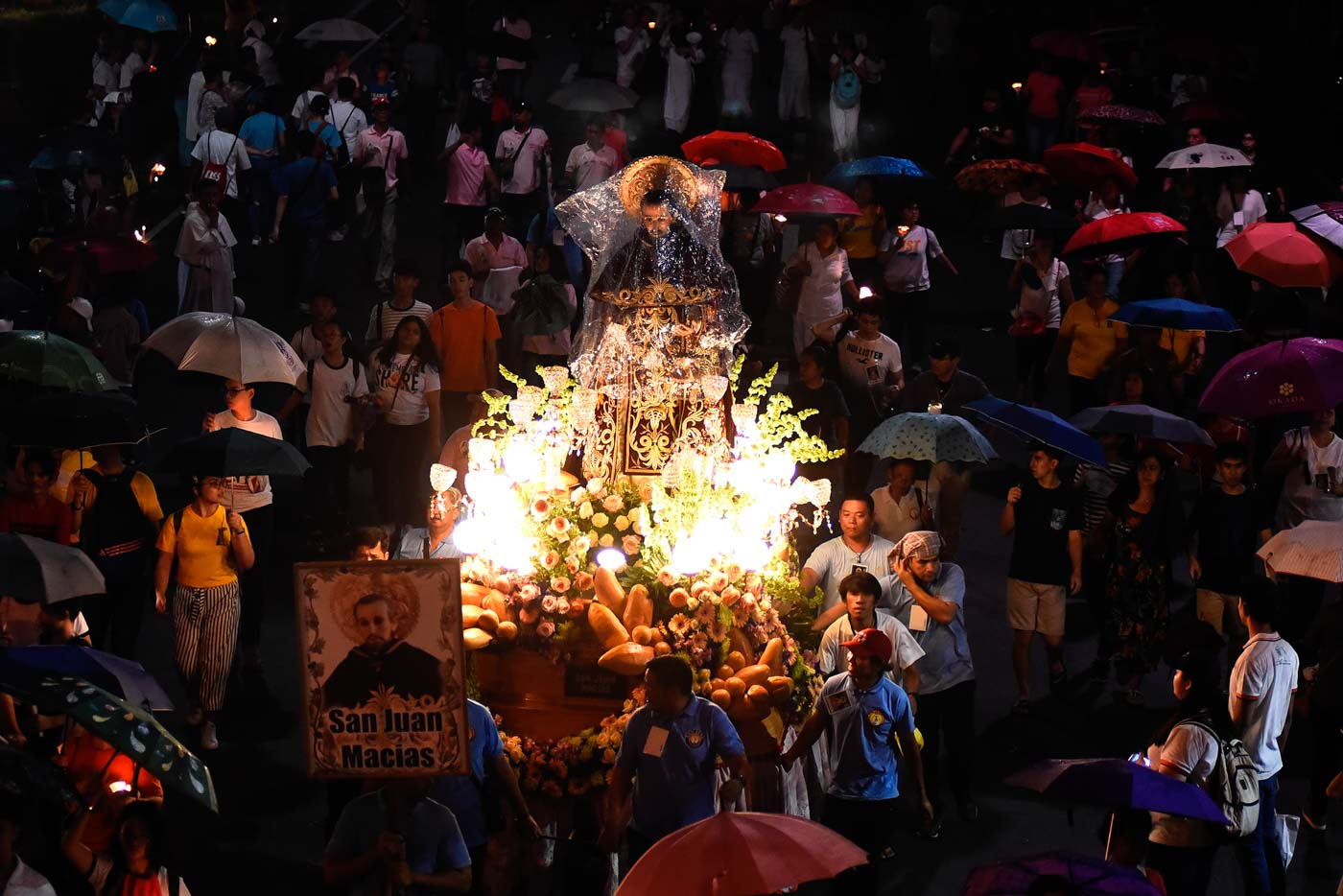 OTHER SAINTS. The images of other saints, aside from the image of Our Lady of the Holy Rosary, are brought in procession on the La Naval feast. Photo by Maria Tan/Rappler