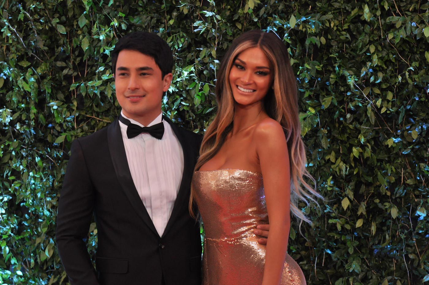 BALL DATE. Marlon Stockinger and Pia Wurtzbach walk the ABS-CBN Ball red carpet together in September 2018. File photo by Jay Ganzon/Rappler