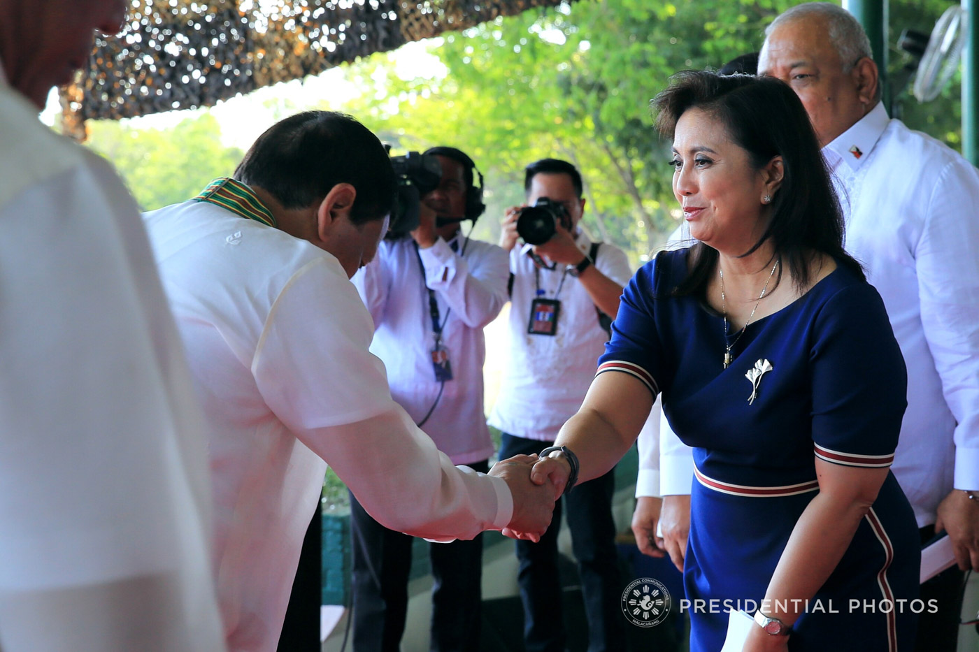 PLEASANTIRES. President Rodrigo Duterte gives a cordial greeting to Vice President Maria Leonor Robredo during the 121st Founding Anniversary of the Philippine Army.