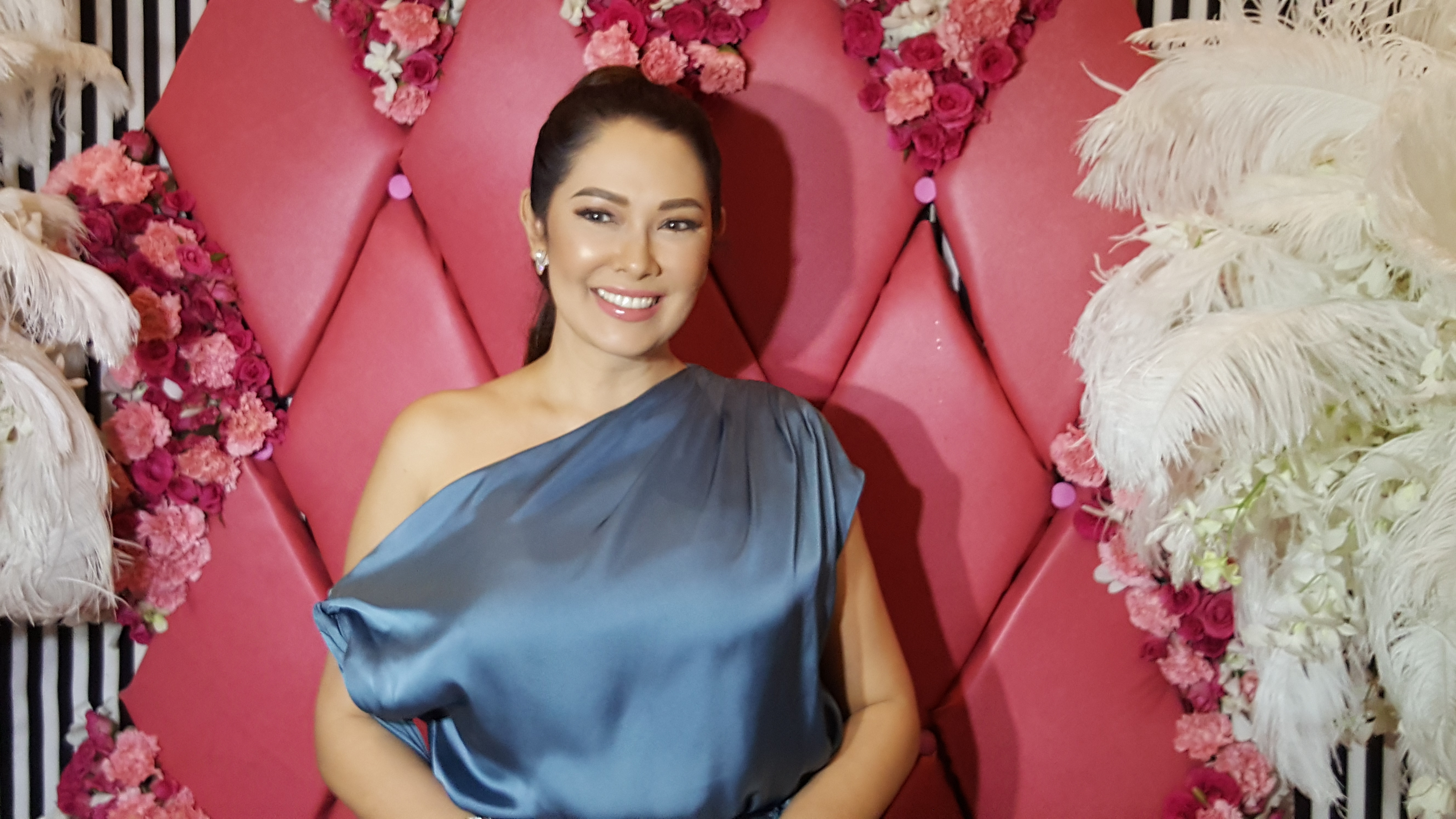 AUTHOR. Actress Ruffa Gutierrez has added author to her list of achievements, with her book 'Truth and Lies My Mother Told Me.' Photo by Alexa Villano/Rappler