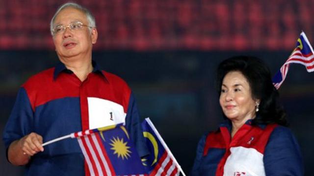 POWER COUPLE. Malaysian Prime Minister Najib Razak (L) with wife Rosmah Mansor (R). AFP file photo