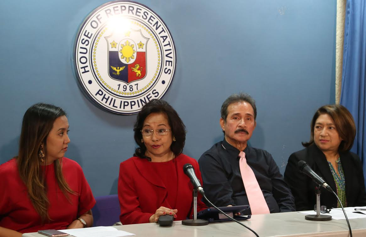 'BLOOMING AND ALLURING'. Former President Gloria Macapagal-Arroyo was noticeably blooming two months after her hospital arrest. Photo from the House of Representatives