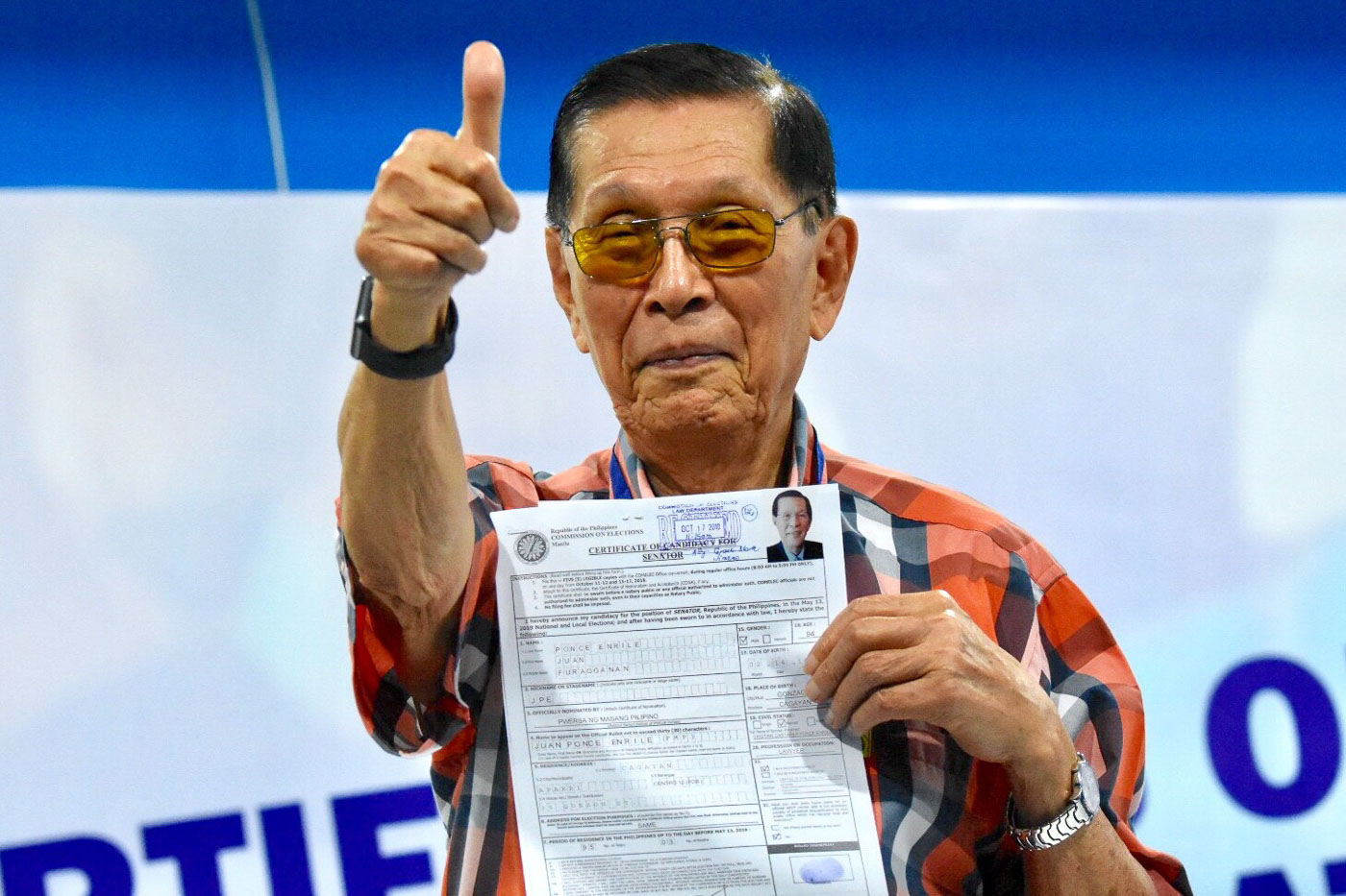 Former senator Juan Ponce Enrile files his certificate of candidacy for senator at the Comelec office in Manila on October 17, 2018. Photo by Angie de Silva/Rappler