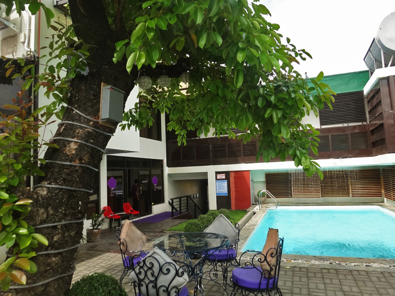 COZY Bu0026B. For a relaxing, homey atmosphere, you can stay at bed and breakfasts like The Purple Tree in Parau00f1aque