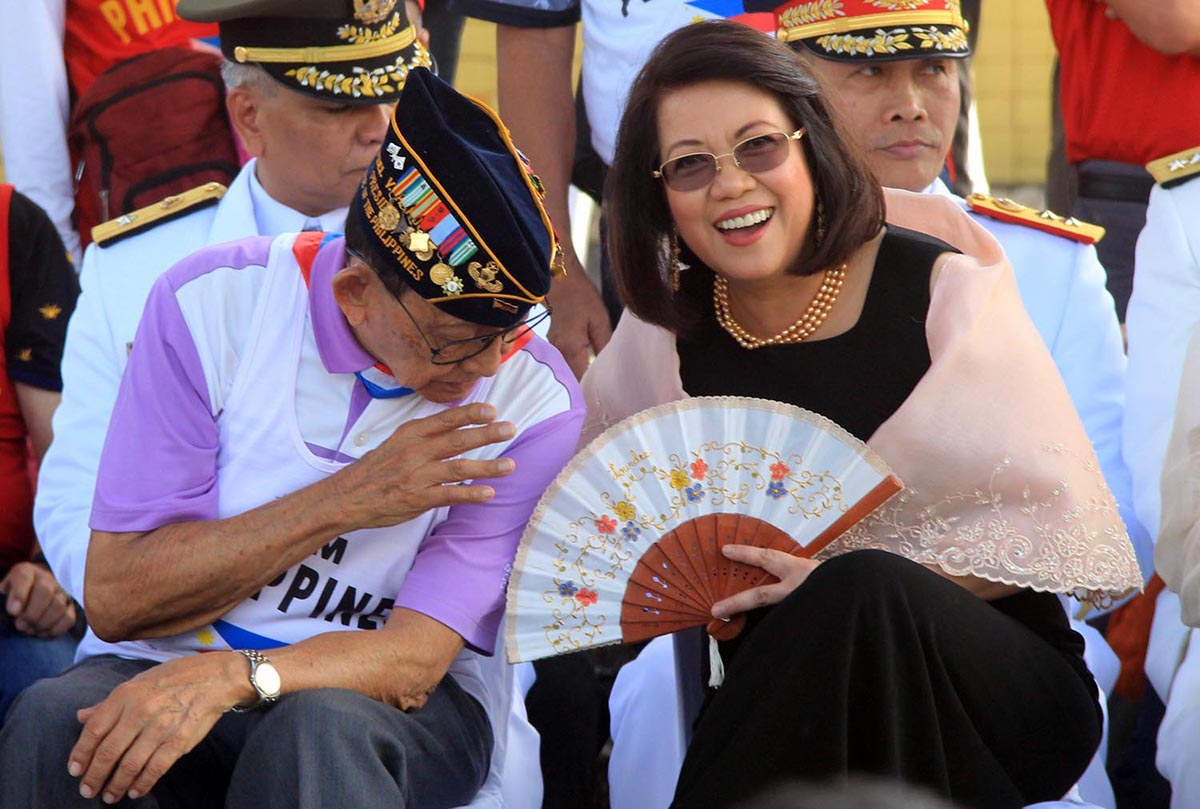 Former President Fidel Ramos (center), Chief Justice Ma. Lourdes Sereno along with the 1986 Edsa Revolution key players led the 32nd anniversary celebration of the EDSA People Power Revolution at the People Power Monument on Sunday, February 25, 2018. The revolt toppled Ferdinand Marcos from power in 1986. Photo by Darren Langit/Rappler