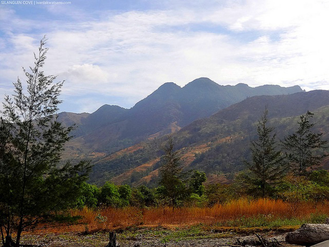 MOUNTAIN VIEW. What separates Silanguin from the rest of Zambales are scenic mountains. Photo by Ivan Briu00f1as Cultura