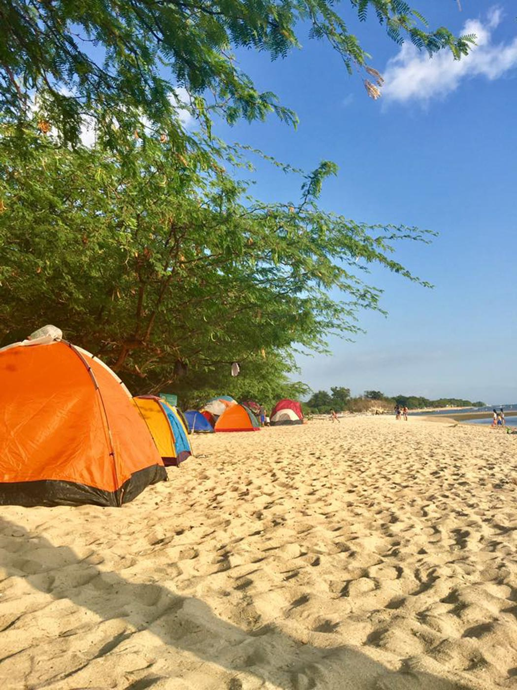 BEACH CAMPING. Camping is the budget option for spending the night at Calatagan. Photo by Ailyn Deofiles Galurau200e